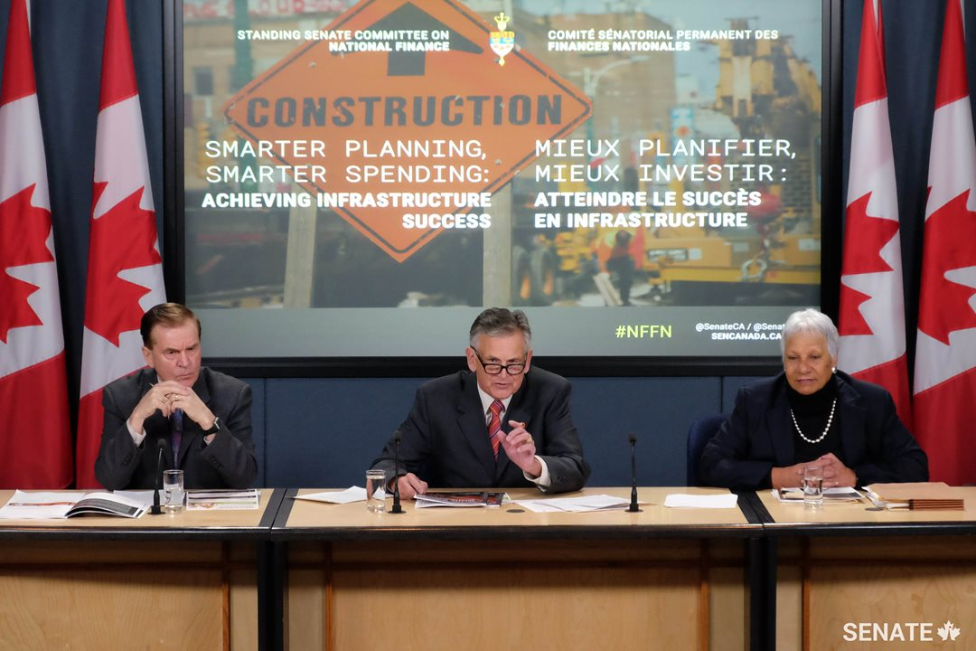Senators Mockler, Smith and Cools call on the government to define a clear strategy for directing $186 billion in infrastructure spending.
