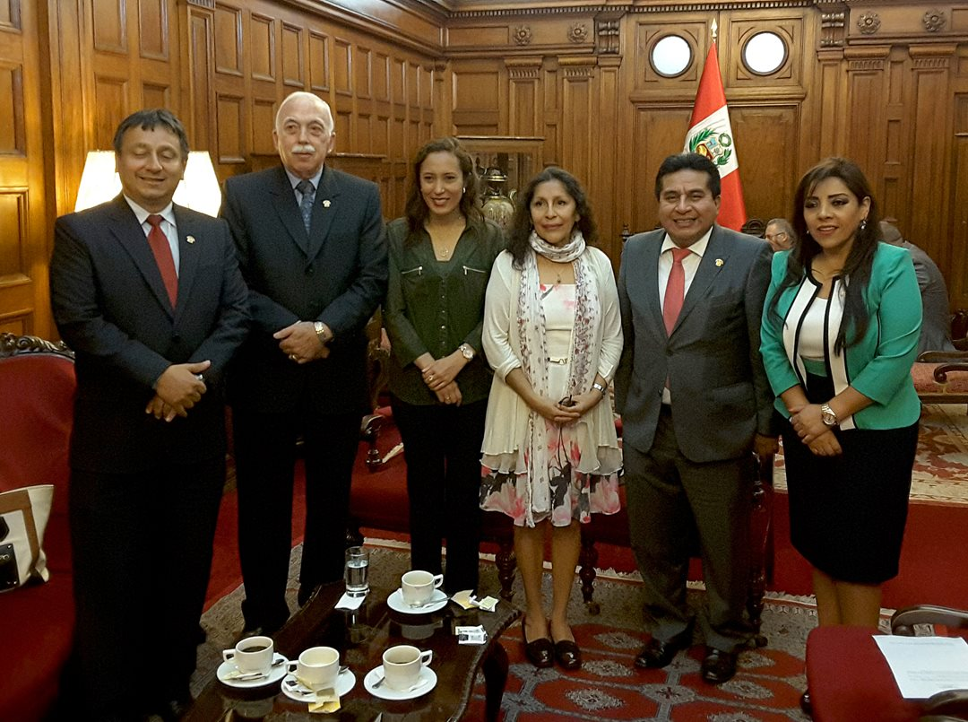 Senator Galvez meets with foreign dignitaries in the Congress of the Republic of Peru for the Asia-Pacific Economic Cooperation summit (APEC).