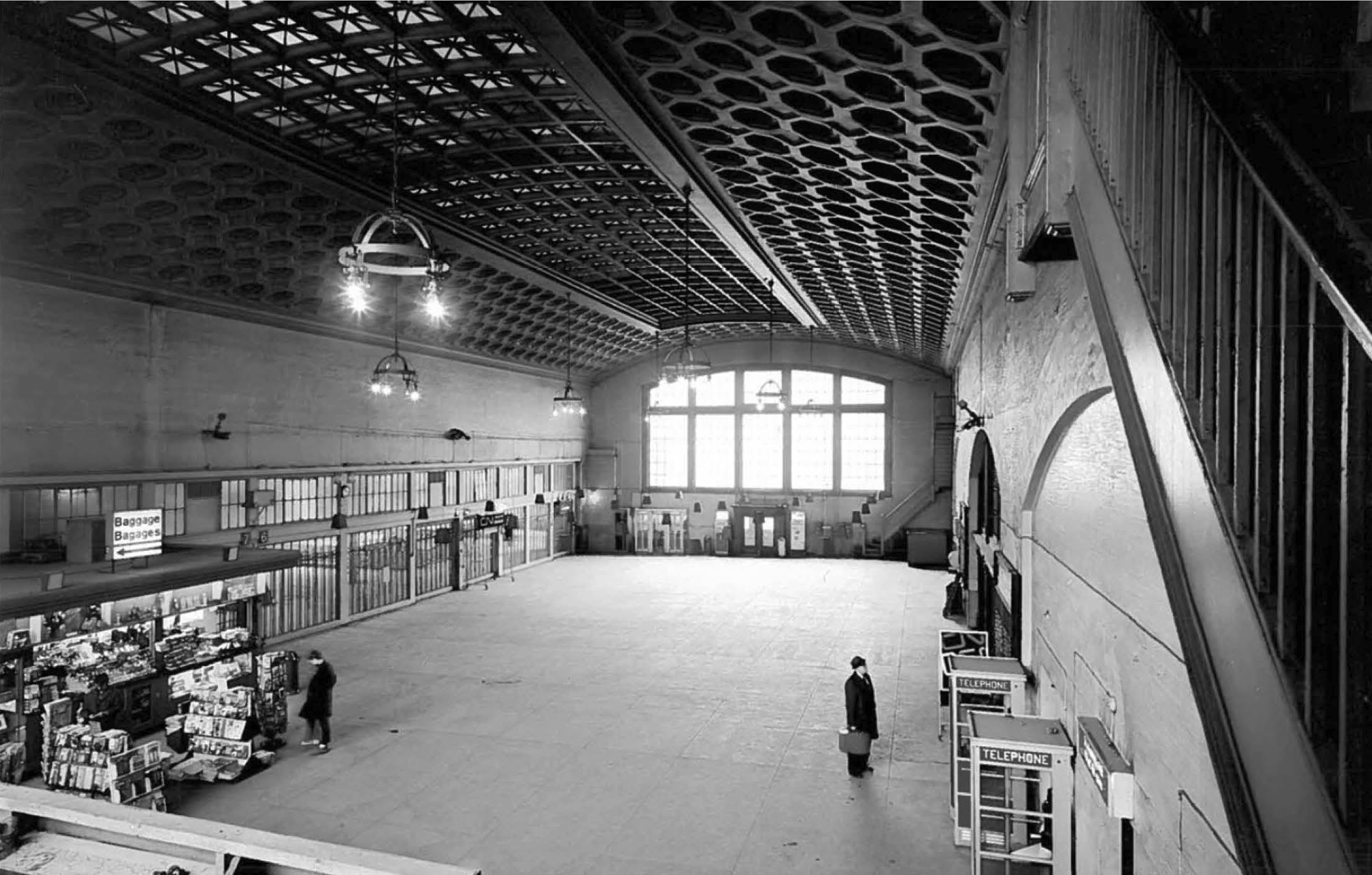 The concourse was the last chance for passengers to buy a magazine or make a phone call before boarding their train. The high-ceilinged hall became the temporary Senate Chamber in 2019.