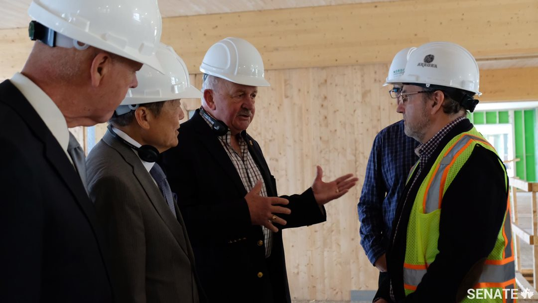 Senators learn at Arbora, a condo construction project in Montreal, that solid wood is the only construction material that is both renewable and recyclable. Wood also possesses the ability to remove carbon from the atmosphere for a long period of time. For example, one cubic metre of wood can take one ton of carbon dioxide from the atmosphere.