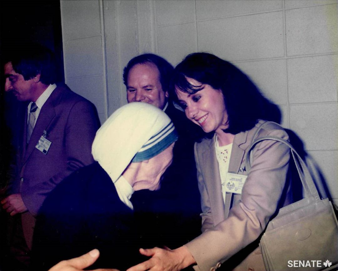 Senator Raymonde Saint-Germain had the privilege of meeting Mother Teresa during the nun and humanitarian's visit to Quebec in 1986. (Credit: Michel Bourassa)