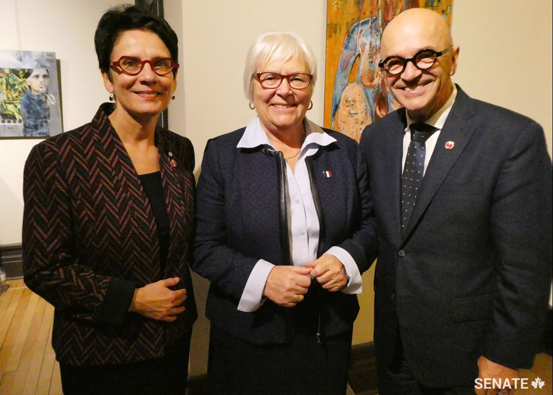 From left to right, Senator Raymonde Gagné, Member of the Committee on Official Languages, Louise Imbeault, President of the Société Nationale de l'Acadie, and Senator René Cormier, Chair of the Committee on Official Languages, at the Aberdeen Cultural Centre in Moncton, October 25, 2018.
