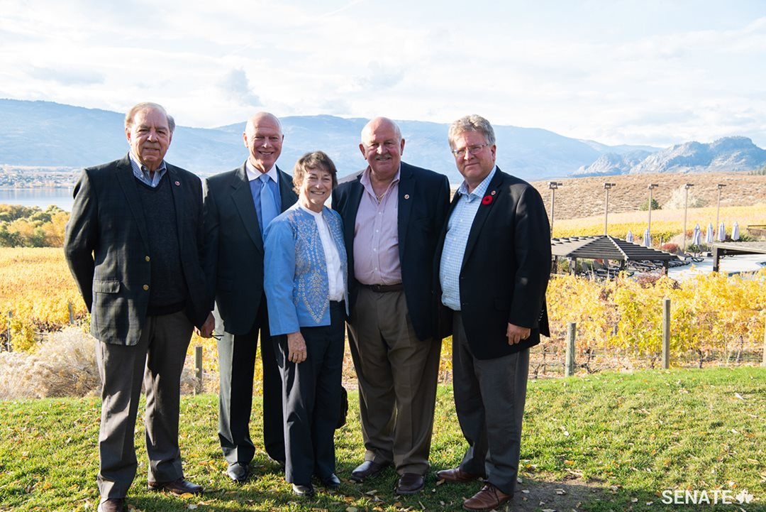 Senator Ghislain Maltais, with Senators Jean-Guy Dagenais, Diane F. Griffin, Terry M. Mercer and Robert Black, visiting Nk'Mip Cellars, the first Indigenous-owned winery in North America.